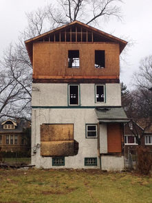 How to choose a contractor for house demolition? How the demolition process is done?